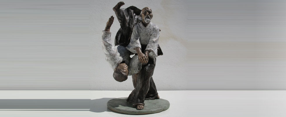 Aikido-scultura-in-bronzo-lottatori-combattenti-arti-marziali